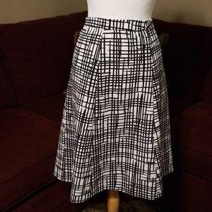Plus size 24 Skirt. Runs true to size